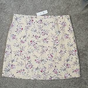 Ann Taylor Cream Floral Print Skirt NWT